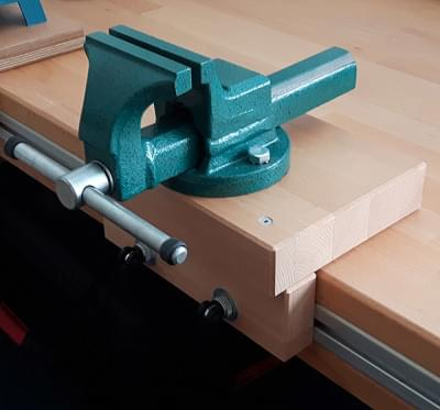 Workshop (locksmith) vice with washer