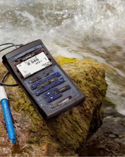 Oxi 3205 - Hand-held oximeter